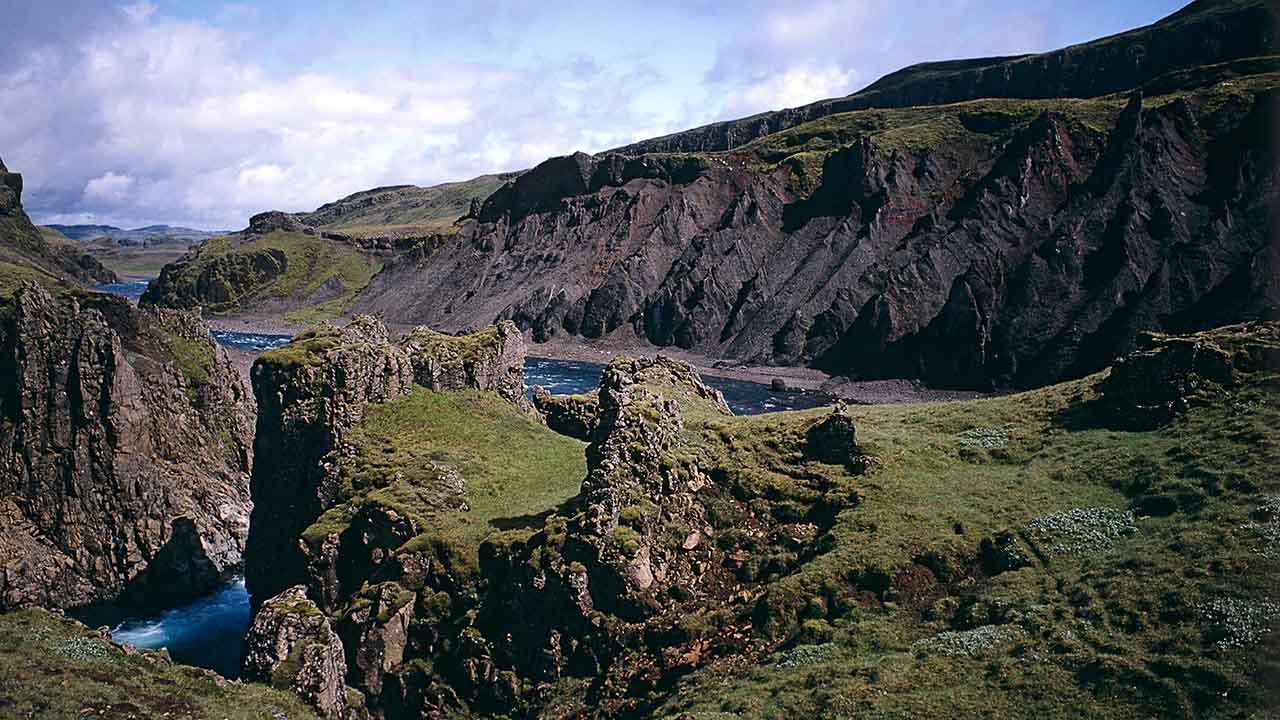 Stóra-Laxá er í hættu, verndum náttúruna, afþökkum stóriðju, landvernd.is
