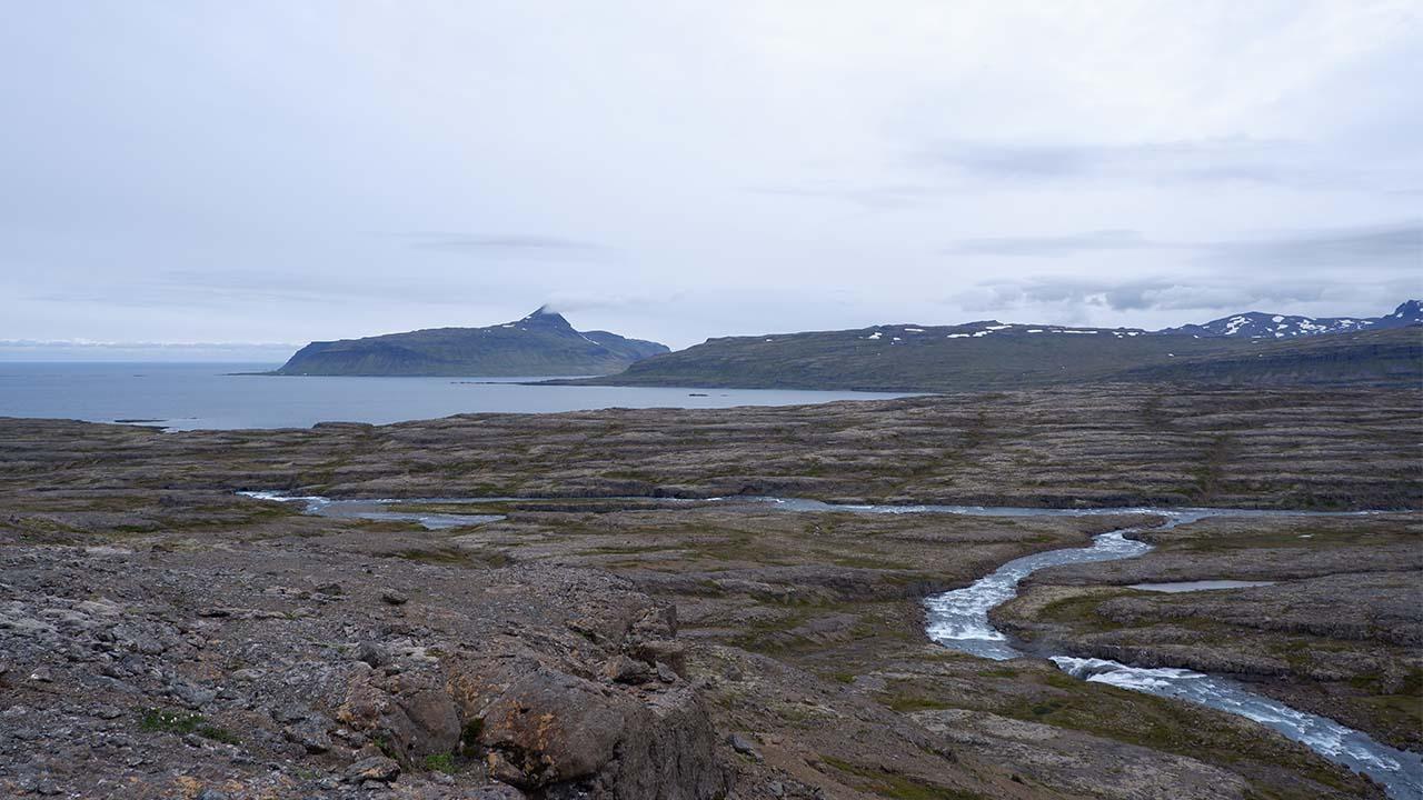 Við ármót Hvalár og Rjúkandi ætlar Vesturverk að moka upp mörg þúsund tonnum af efni við Hvalárósa, slétta plan fyrir vinnubúðir, verndum víðernin, landvernd.is