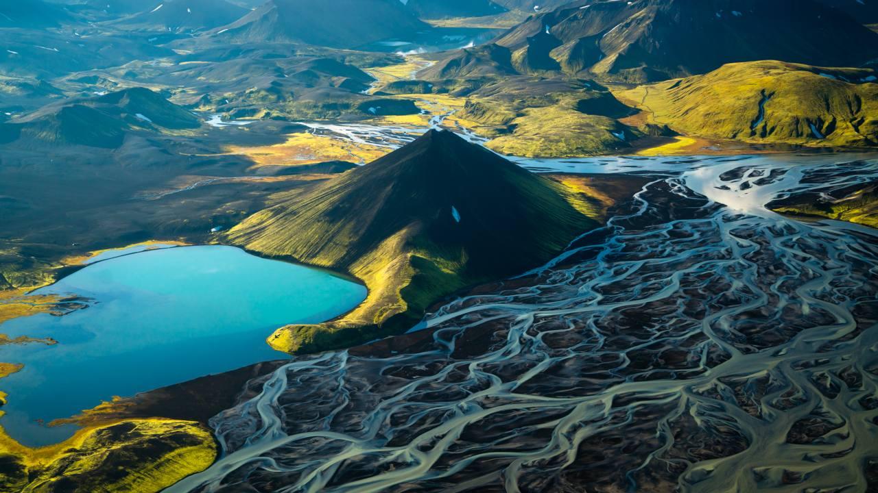 Stakihnjúkur og Tungnaá sem rennur frá vesturhluta Vatnajökuls, Hálendi Íslands - Þjóðgarður landvernd.is