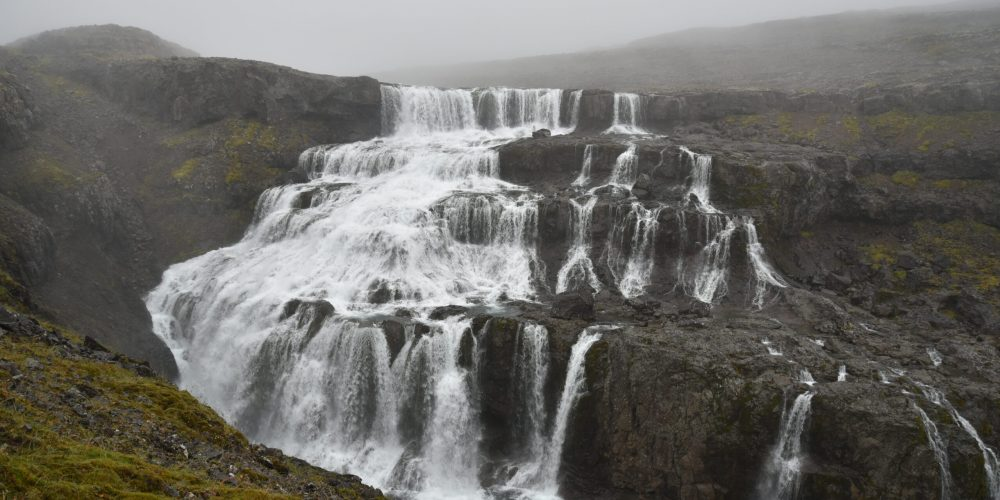 Rjúkandi er einn af þeim fossum sem eru í hættu, hættum að framleiða rafmagn fyrir stóriðju, landvernd.is